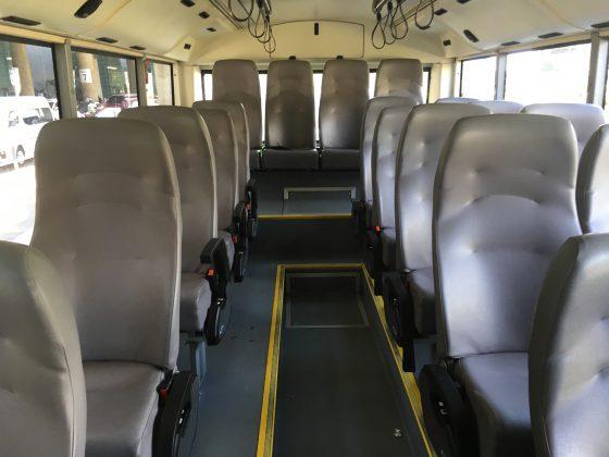 UBE Express バスの内部(シート)