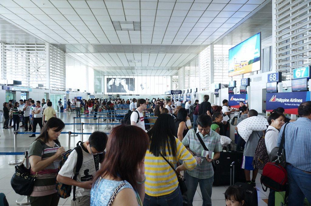マニラ空港第2ターミナルのチェックインカウンター付近