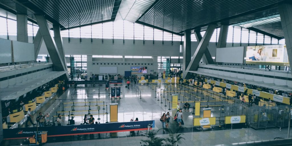 マニラ空港 第3ターミナル 2Fから1Fを見た様子(出発階)