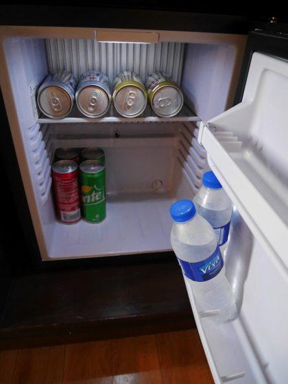 パールガーデンホテル マニラ の客室の冷蔵庫内部(有料)