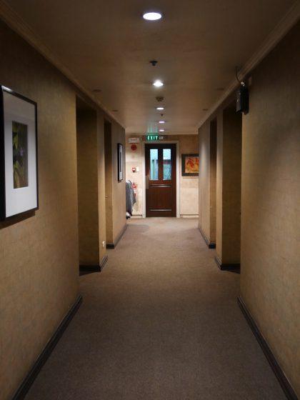 パールガーデンホテル マニラ ビル内の廊下