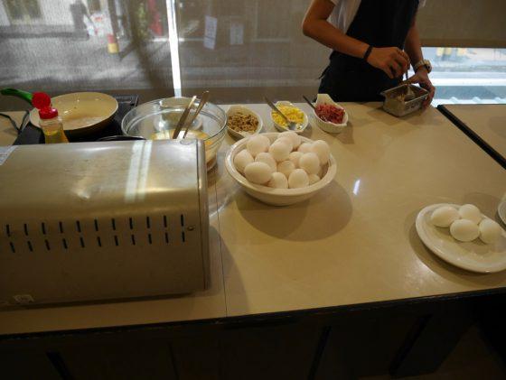 パールガーデンホテル マニラ 2Fレストラン 朝食ビュッフェ オムレツ
