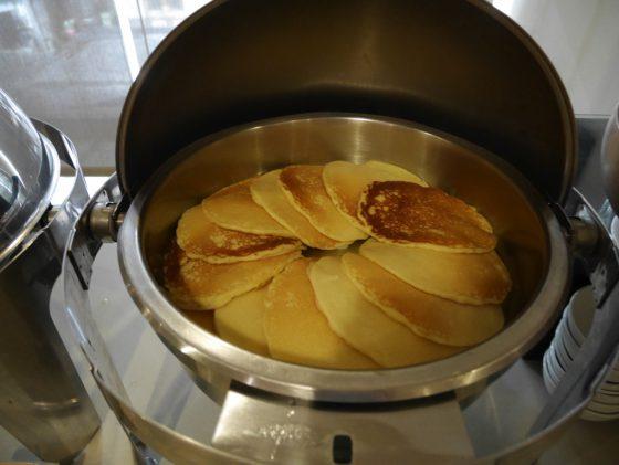 パールガーデンホテル マニラ 2Fレストラン 朝食ビュッフェ パンケーキ