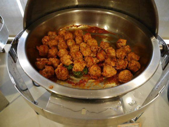 パールガーデンホテル マニラ 2Fレストラン 朝食ビュッフェ ミートボール