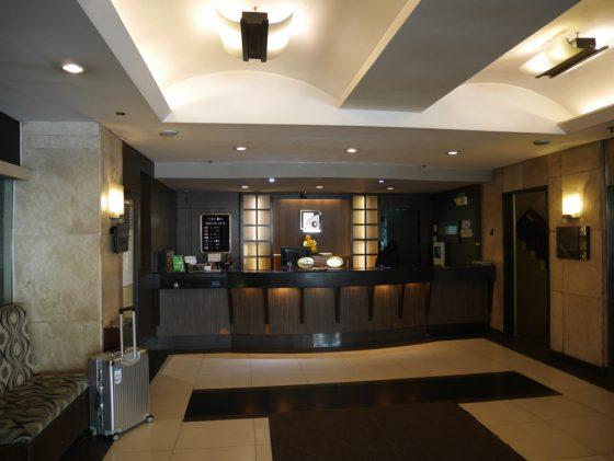 パールガーデンホテル マニラ の受付