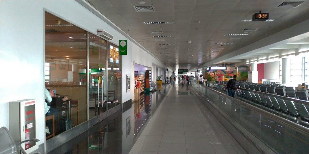 マニラ空港ターミナル3 国際線ゲート110番搭乗口付近