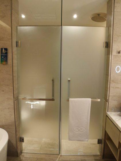 ソフィテル・クアラルンプール・ダマンサラ(シャワールームのトイレは両開き)