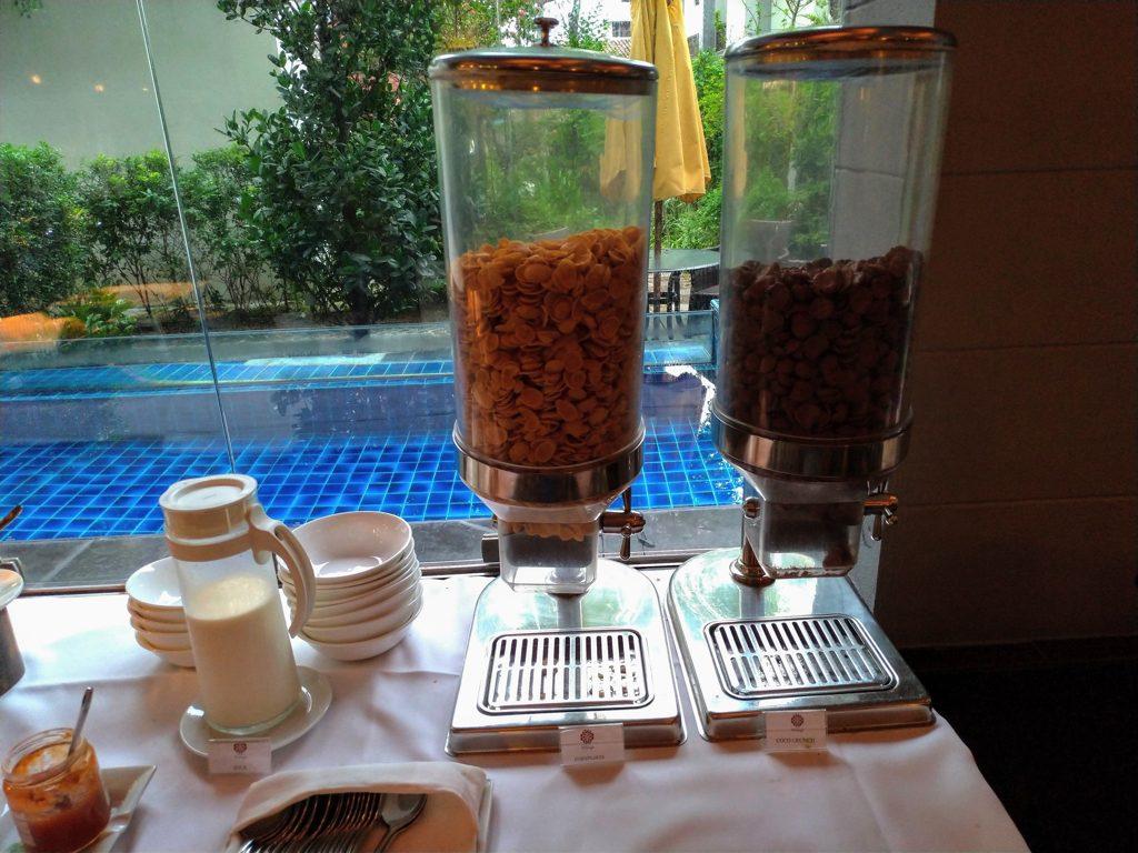 ペナン島ジョージタウンのホテル・ペナガ朝食シリアル