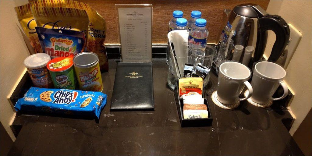 ダイヤモンドホテルマニラの客室ミニバー概観