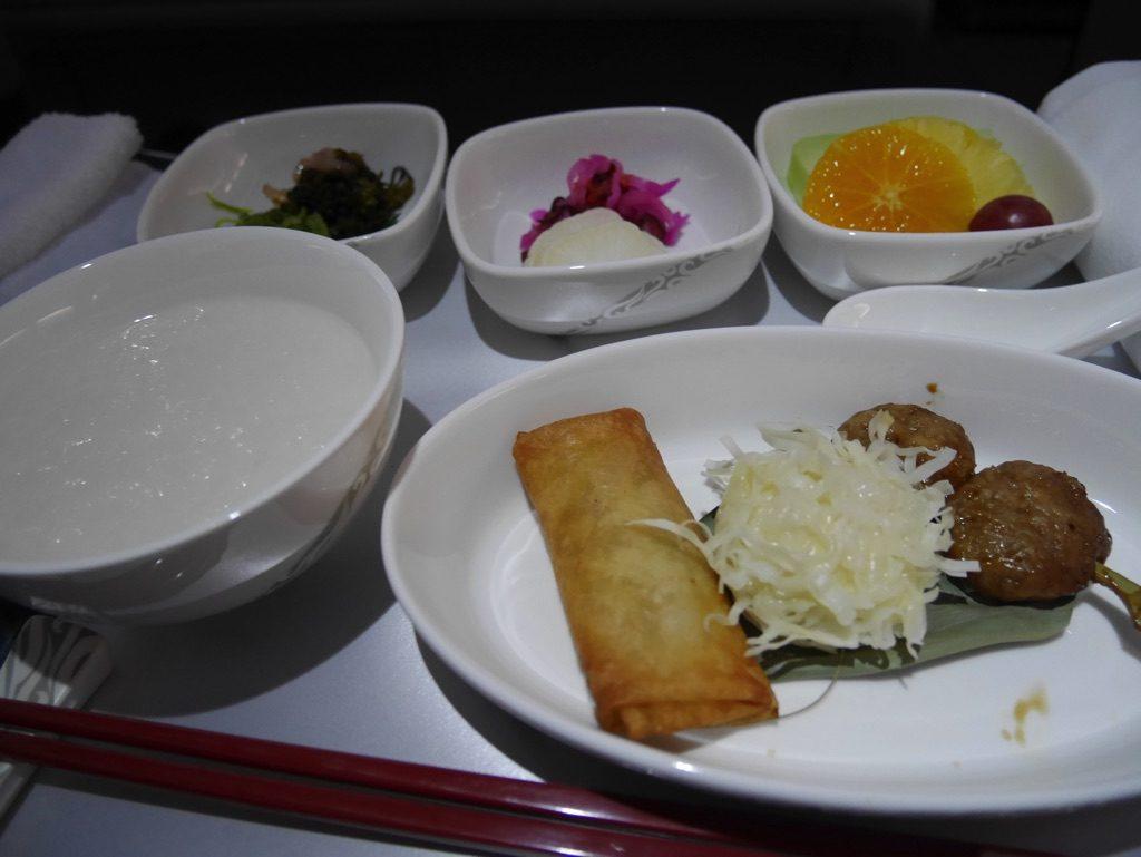 中国国際航空(エアチャイナ)の機内食、1食目(中華風のお粥)