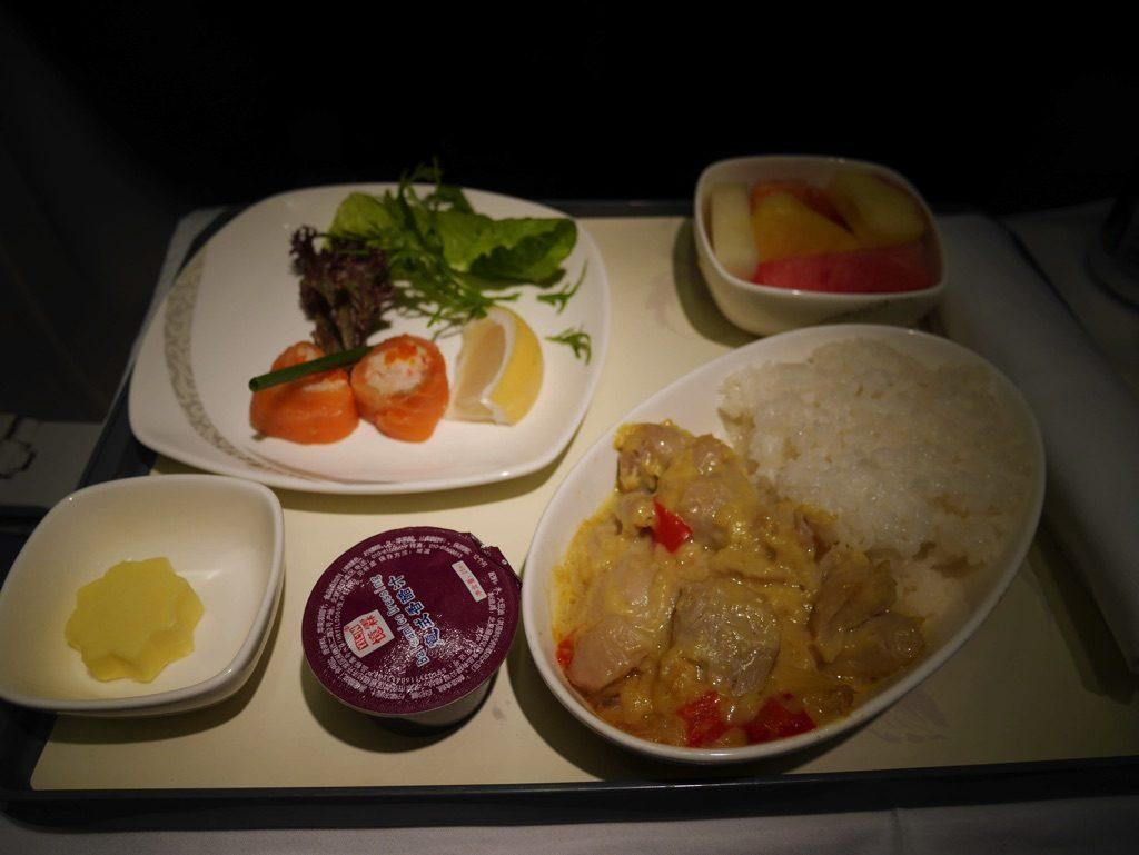 中国国際航空(エアチャイナCA903)の機内食、2食目(タイカレー)