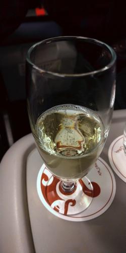 エアチャイナ CA903搭乗記 - シャンパン