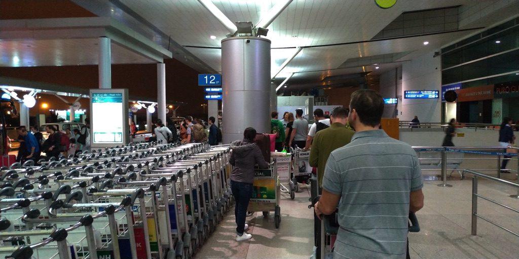 ホーチミン空港遅延のため再び市内へ