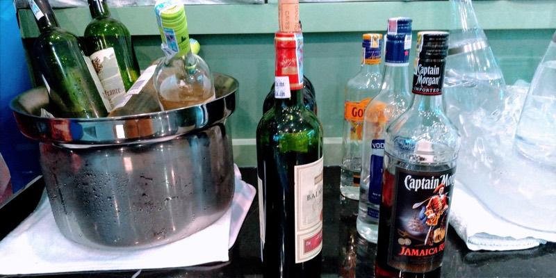 ホーチミン・タンソンニャット国際空港「ル・サイゴンネイズラウンジ」(ワイン・スピリッツ系のアルコール)