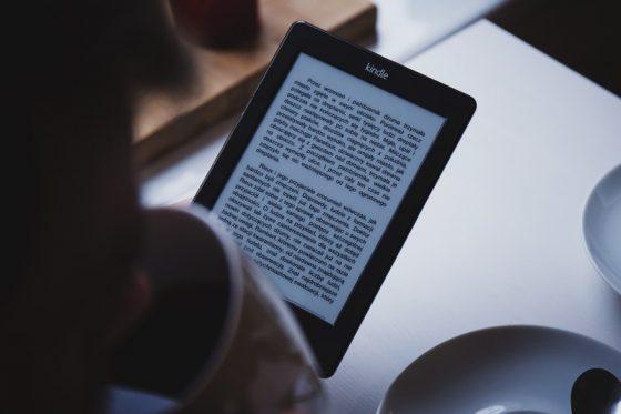 読書特化型のタブレット:キンドル