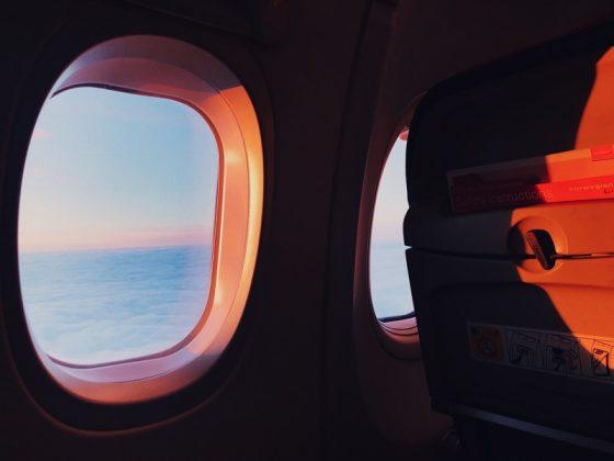 機内ではオフライン、どう暇をつぶそうか...