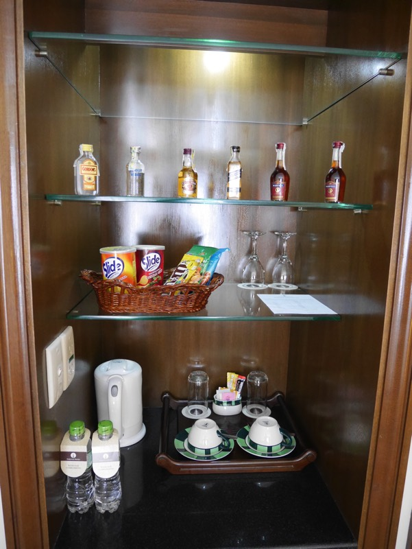 ノーフォークホテルの客室(ミニバー)