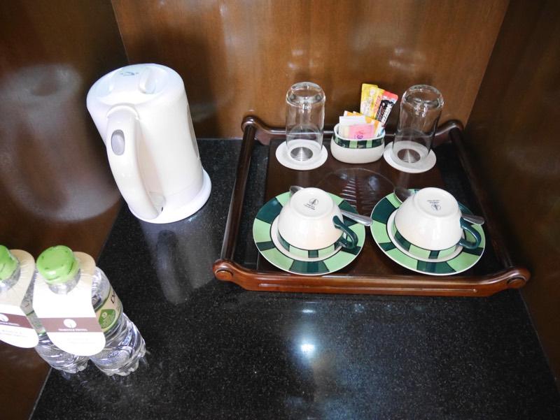 ノーフォークホテルの客室(お茶)