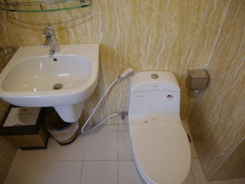 ビクトリーホテルサイゴン (トイレ)