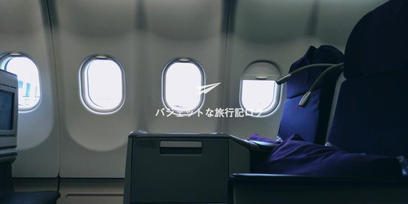 中国国際航空(エアチャイナ)CA181便 隣の座席を真横から