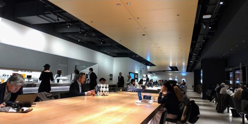 羽田空港第1ターミナル パワーラウンジ内部