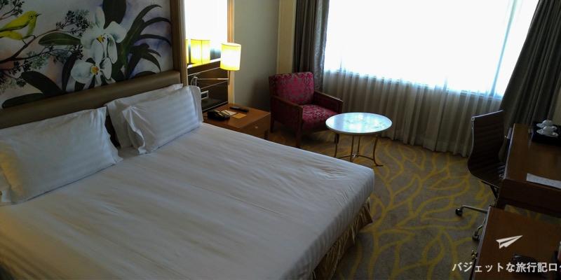 デュシタニマニラ 客室ベッド