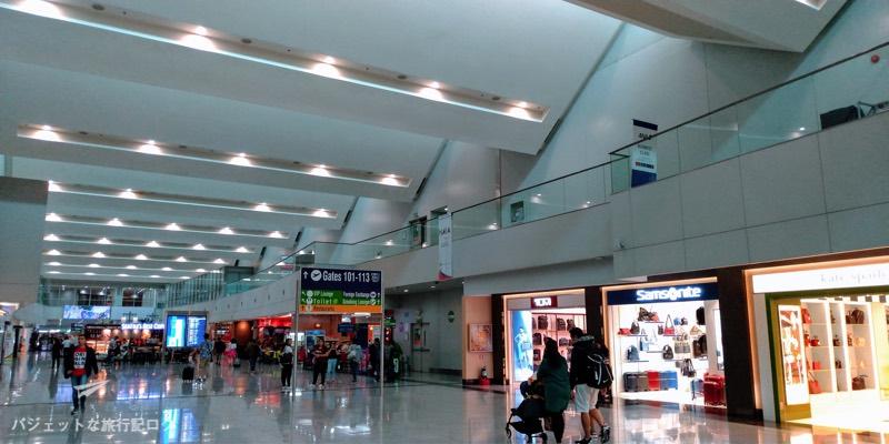 マニラ空港第3ターミナル保安検査場を抜けたところ