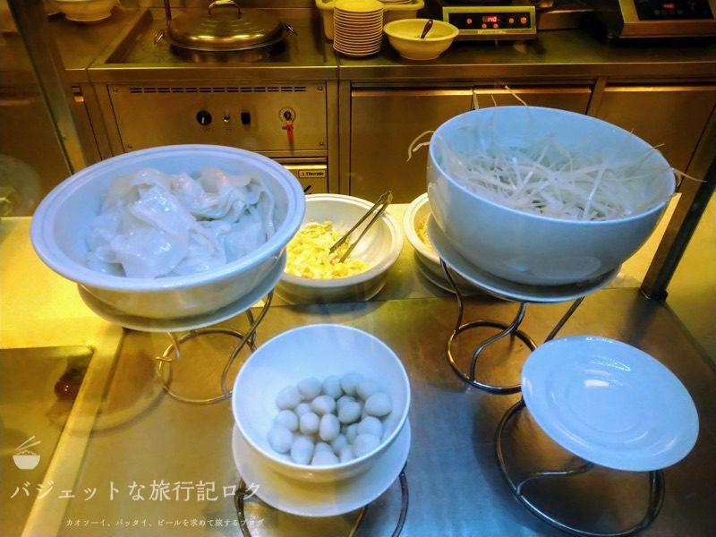 デュシット・プリンセス・チェンマイの朝食ビュッフェにあるヌードルバー