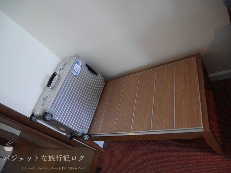 デュシット・プリンセス・チェンマイの客室にある荷物置き