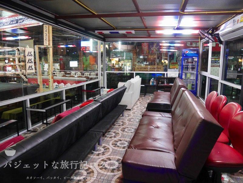 チェンマイにあるターペー・ボクシング・スタジアムのVIPルーム
