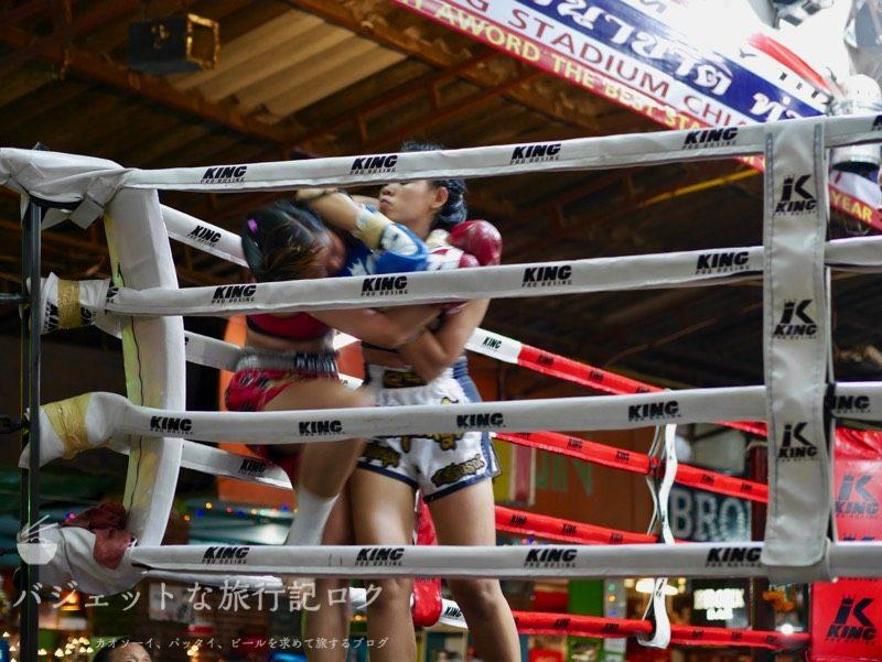 ターペー・ボクシング・スタジアムでの割と試合はハード