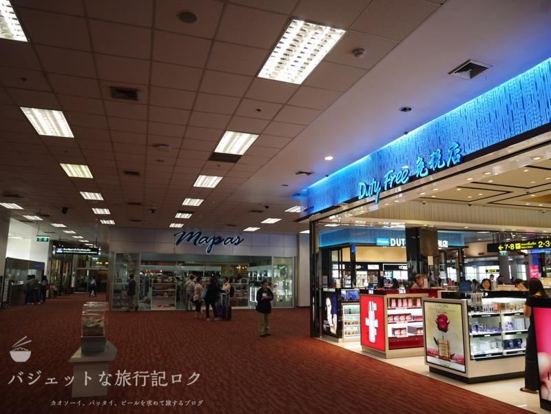 チェンマイ国際空港のイミグレーションを抜けた直後(国際線側)