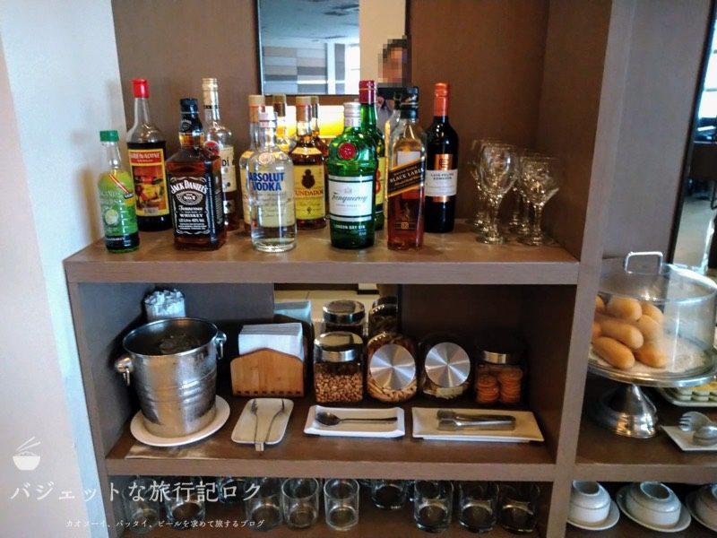 マニラ空港第3ターミナル スカイビュー・ラウンジ(ニノイ・アキノ国際空港)の軽食・食事エリア(ドリンク類)