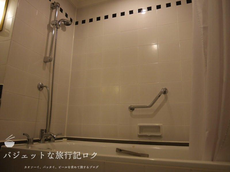 ベトナム・ホーチミンシティ1区のサイゴンプリンスホテル(バスルームは浴槽あり)