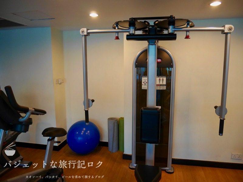ベトナム・ホーチミンシティ1区のサイゴンプリンスホテル(ジムエリアの胸トレーニングマシン)