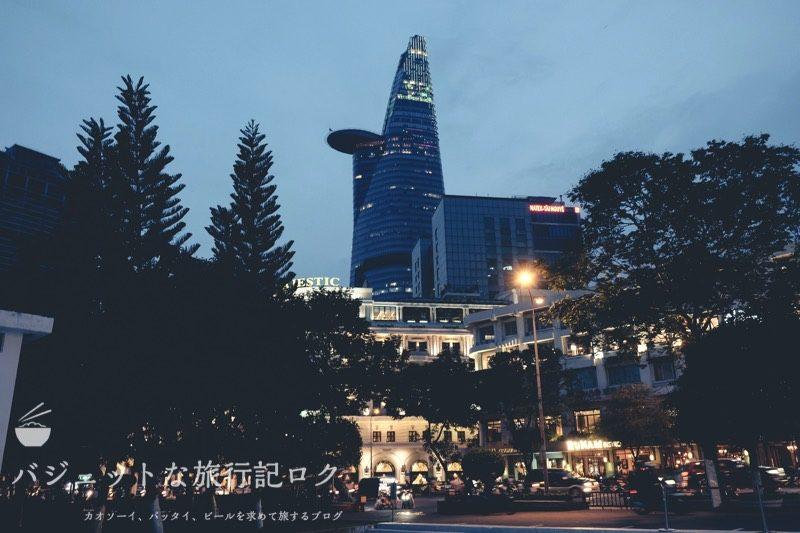 ホーチミンが誇るビテクスコ・フィナンシャルタワー。サイゴンスカイデッキ(夜のサイゴンデッキ)
