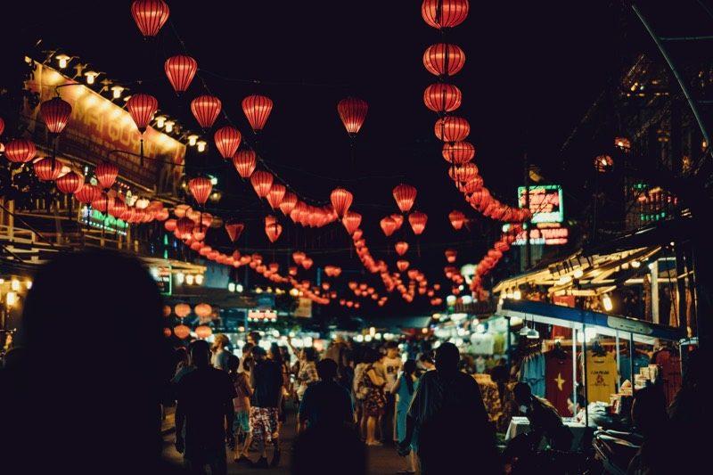 変換プラグ必須!ベトナムの電源・電圧・コンセント事情。
