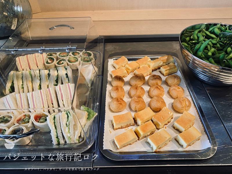 成田空港ユナイテッド航空・ユナイテッドクラブ・ラウンジ(サンドウィッチとか)