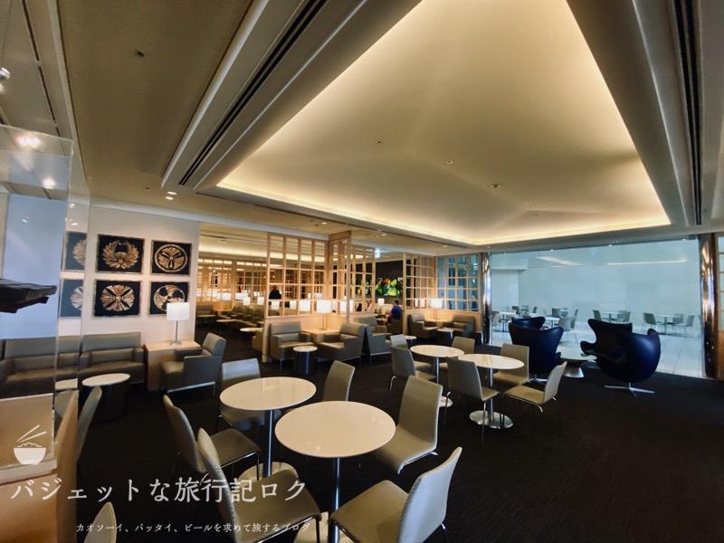 成田空港ユナイテッド航空・ユナイテッドクラブ・ラウンジ(広々とした空間)