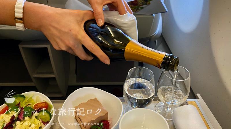 アシアナ航空A330-300ビジネスクラス2連続搭乗記(シャンパンで頂く)