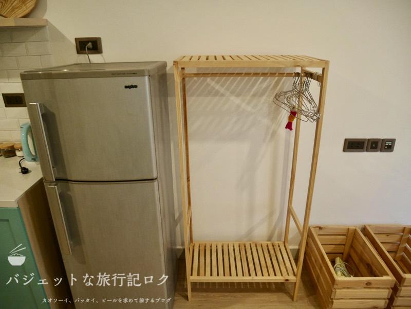 ホーチミン4区で民泊・エアビ・Airbnb(衣類かけと冷蔵庫)
