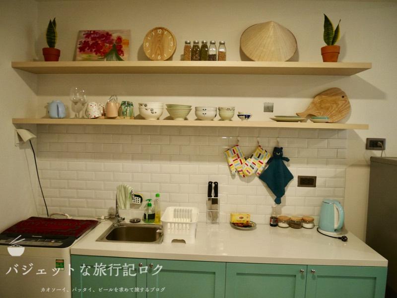 ホーチミン4区で民泊・エアビ・Airbnb(ベトナムらしく飾られたキッチン)