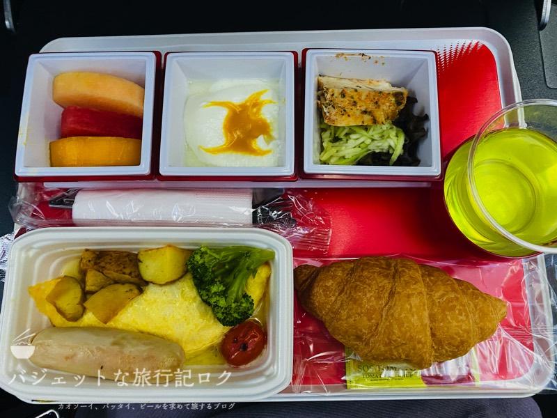 JAL国際線プレミアムエコノミー搭乗記(機内食のアメリカンブレックファースト)