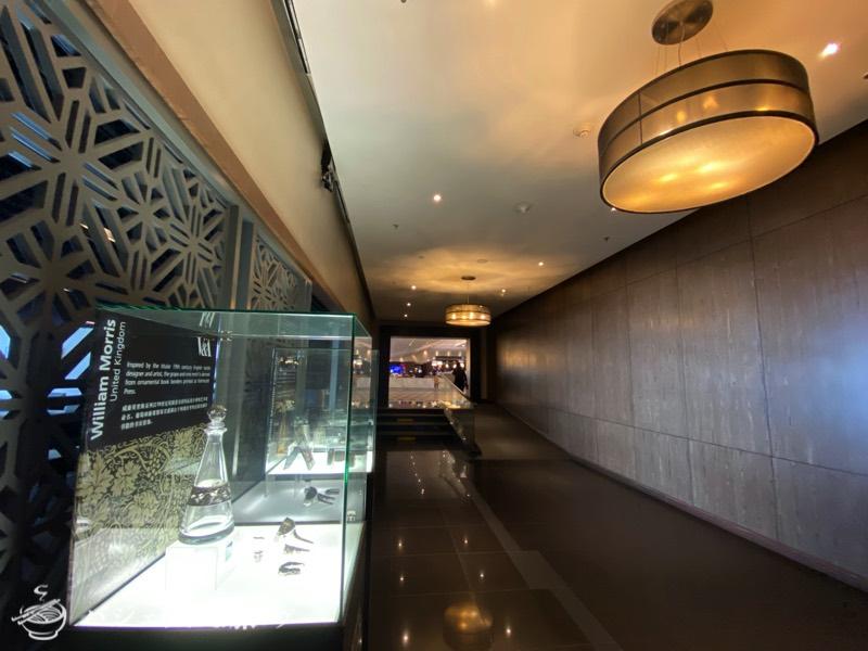 クアラルンプール国際空港・マレーシア航空サテライト側ビジネスクラス・ゴールデンラウンジ(ラウンジへ続く回廊)