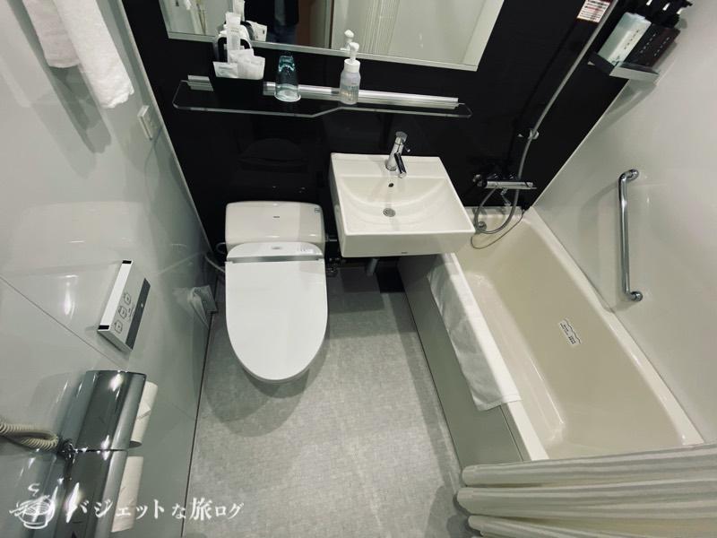 国際通り沿いにあるホテルJALシティ那覇の宿泊記(モノトーンカラーでクールなイメージのバスルーム)