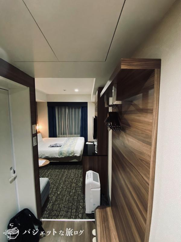 アルモントホテル那覇県庁前の宿泊記・ブログレビュー(15平米の客室へ入室)