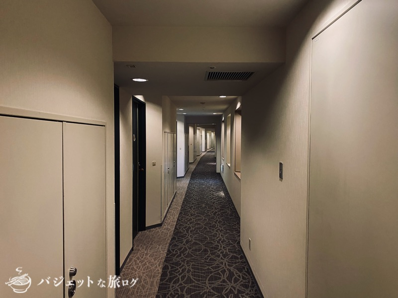新千歳空港「エアターミナルホテル」ブログレビュー(部屋へと長く続く廊下)