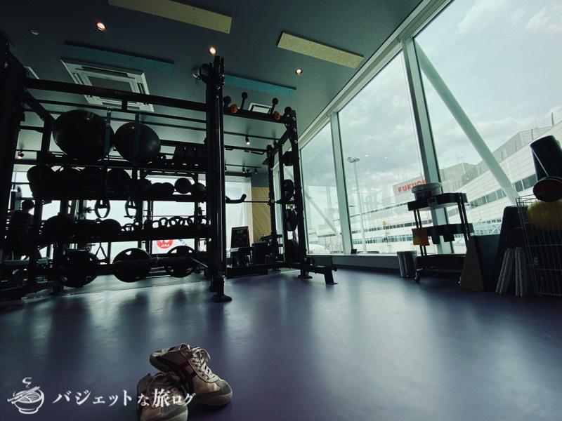 エニタイムフィットネス福岡空港(まずはストレッチで準備運動をば)