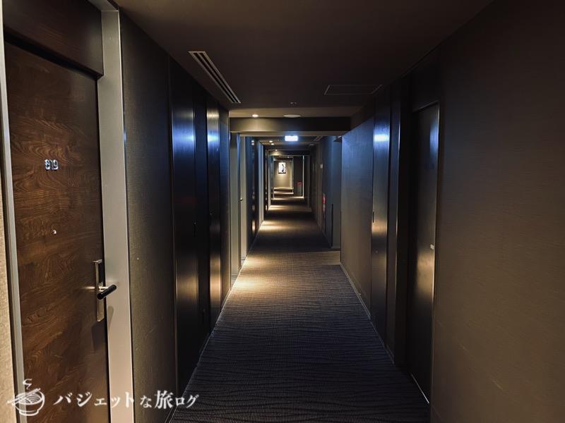 ブログ・口コミレビュー「ホテルアクアチッタナハ by WBF」(部屋へと続く回廊)
